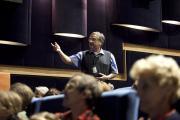 Prof. Aleš Tříska (Cinemart) diskutuje na Work in Progress