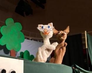 All about Doggie and Pussycat / Spolek třeboňského loutkového divadla
